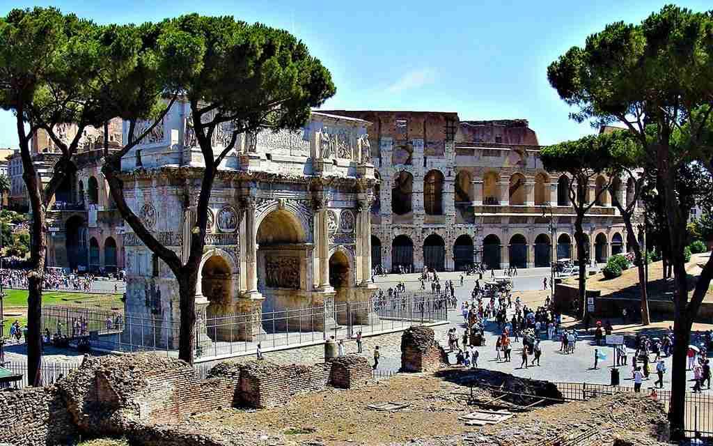 Visita al Colosseo